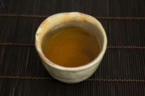 Le thé vert pour digérer les graisses.