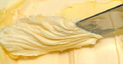 Apprenez à faire votre propre beurre avec seulement deux ingrédients