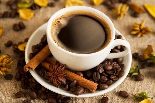 Café-au-petit-déjeuner