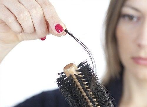 Lutter contre la chute des cheveux.