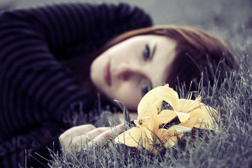 10 symptômes qui nous avertissent d'une possible dépression !!! D%C3%A9couragement-et-tristesse