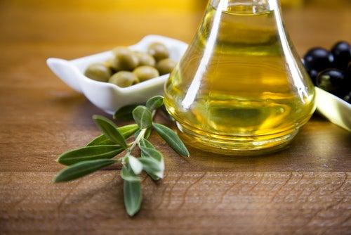 l'huile d'olive pour réparer les pointes fourchues naturellement