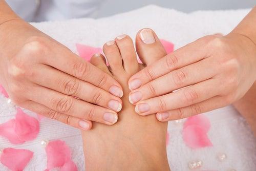 points d'acupression sur les pieds pour soulager les maux de tête