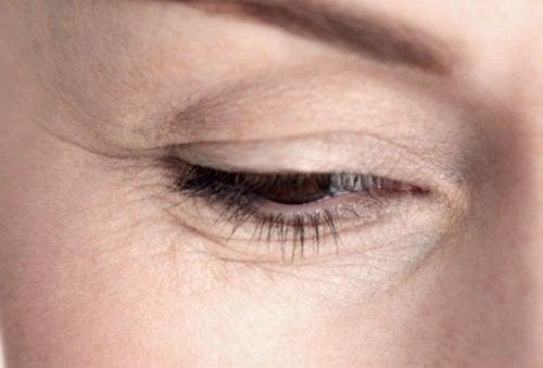 La chute hormonale les cheveux chez les enfants