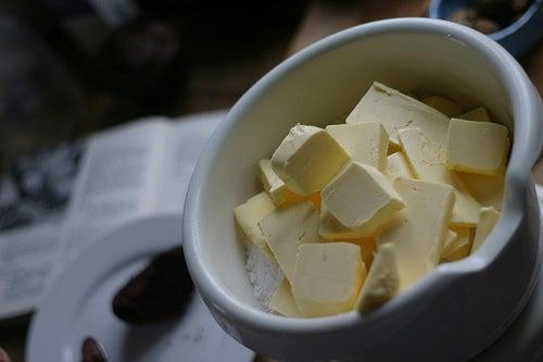 rajeunir vos cheveux avec un traitement au beurre