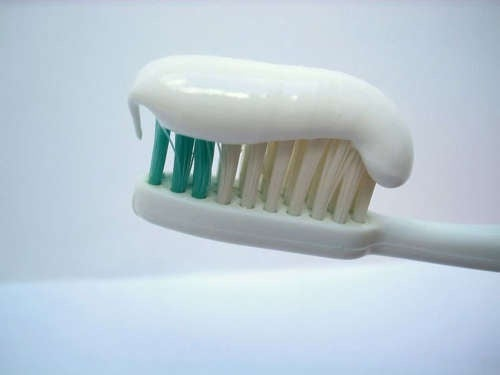 quels sont les codes couleurs sur les tubes de dentifrice