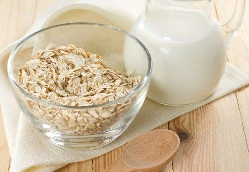 Traitements naturels à l'avoine contre l'acné