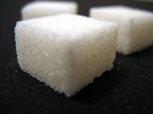 Le sucre dans un gâteau.