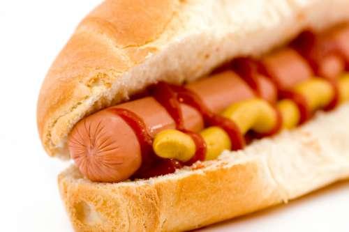 Les additifs de nitrite présents dans les saucisses sont cancérigènes