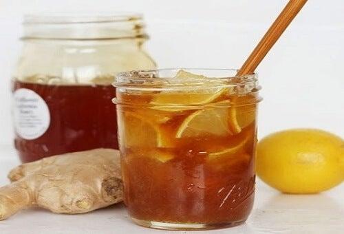 Comment préparer une boisson antivirale puissante avec 3 ingrédients