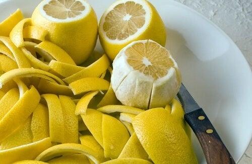 Ecorce-de-citron-alimentation-500x326