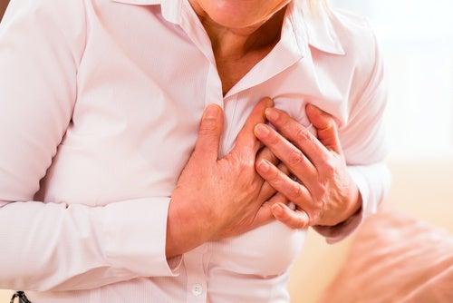 Symptômes atypiques d'un infarctus chez la femme