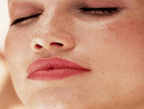Comment traiter la peau dépigmentée ou tâchée