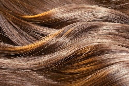 7 remèdes maison pour de beaux cheveux qui sentent bon