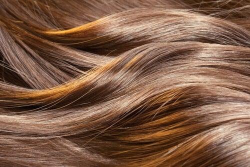 7 remèdes maisons pour de beaux cheveux qui sentent bon