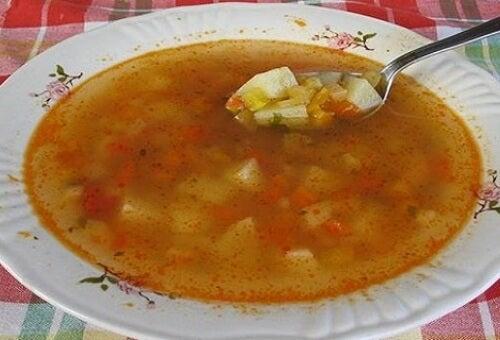La soupe brûle-graisses : des ingrédients qui stimulent la perte de poids
