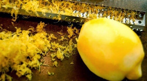 Thérapie avec al peau du citron