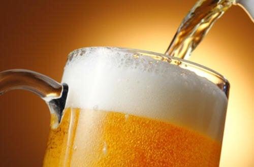 La bière fait-elle grossir ? Comment la consommer au mieux ?