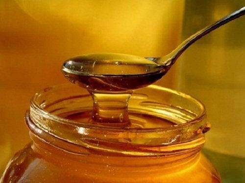 Cuillère à soupe de miel