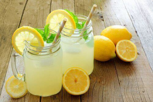 Eaux aromatisées à base de citron