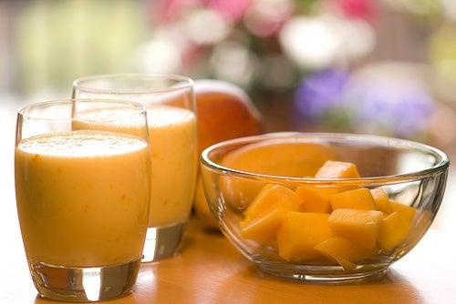 smoothie-orange-madlyinlovewithlife-500x334