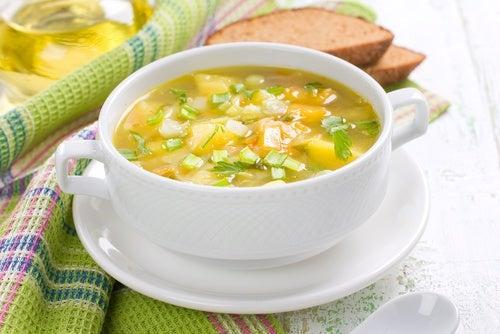 Consommation de la soupe brûle graisses.