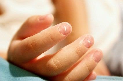 Les taches sur vos ongles.