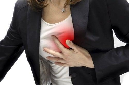 Symptômes du cancer du poumon : douleur dans le thorax