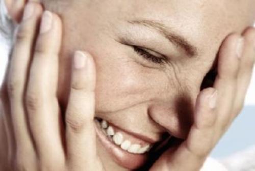 dites oui à l'humour et au rire pour améliorer la mémoire