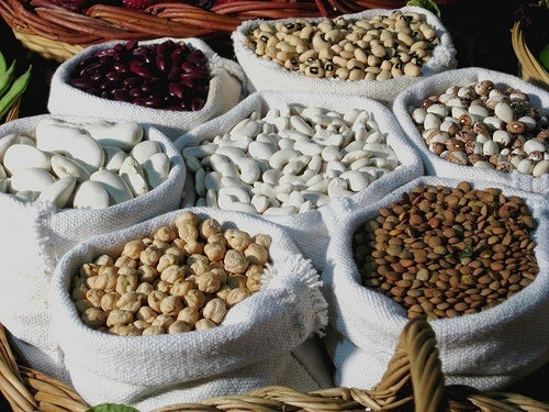 Mangez des protéines contre la flaccidité des bras.