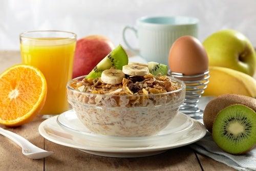 astuces pour un petit-déjeuner sain et délicieux - Améliore ta ...