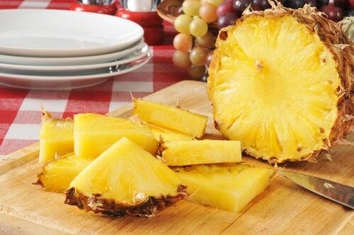 ananas coupé en tranches