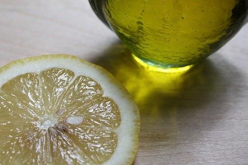 Huile et citron pour éviter les calculs biliaires