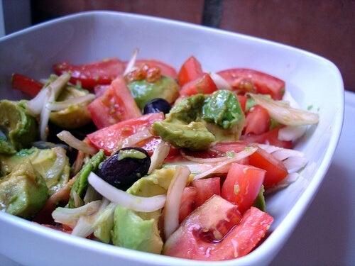 salade pour dégonfler l'abdomen