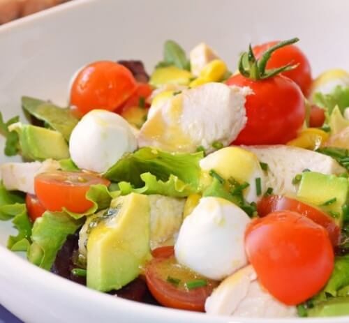 Un salade délicieuse pour dégonfler l'abdomen et purifier l'organisme