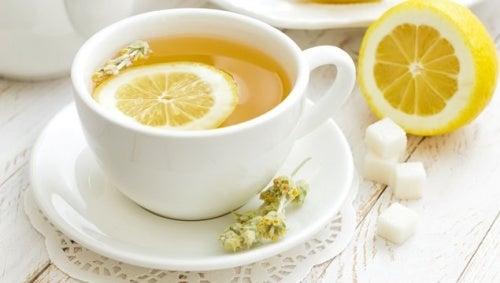 Les bénéfices du citron sont nombreux.