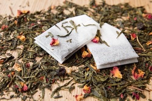 Réutiliser les sachets de thé pour dire adieu aux mauvaises odeurs
