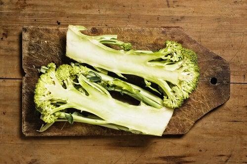 Comment-inclure-des-branches-de-brocoli-dans-son-regime-alimentaire-500x333