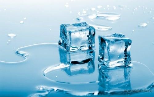La glace est efficace pour stopper le saignement du nez.