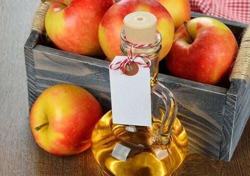 le vinaigre de pomme contre le cou rigide