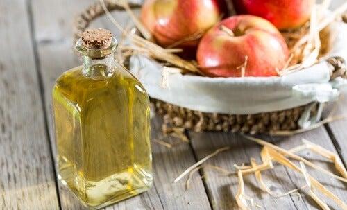 Vinaigre de pomme pour perdre du poids naturellement.