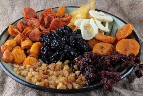 Les fruits déshydratés pour fortifier vos os
