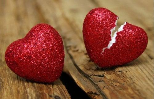 7 signes qui indiquent l'infidélité dans le couple