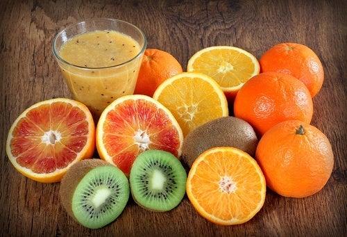 La vitamine C permet d'éviter le saignement de nez.
