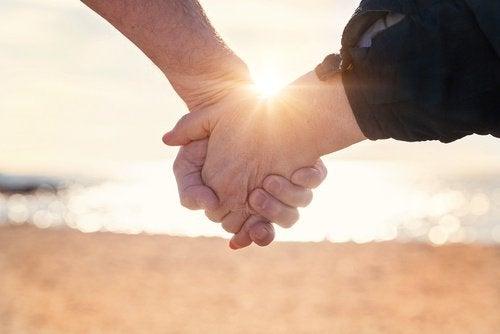 Les 10 habitudes des couples heureux