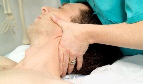 Cervicale-Colonne-Manipulation