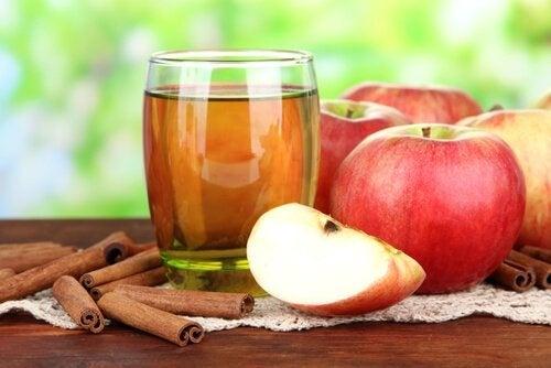 eau de pomme et cannelle