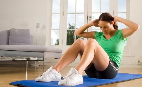 6 exercices pour affiner la taille : abdominaux