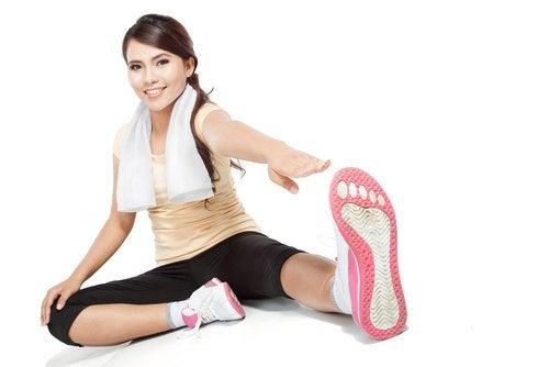 6 exercices pour affiner la taille : levé de jambes