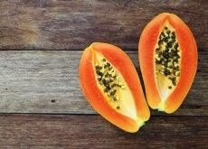 Graines-de-papaye-contre-les-parasites-intestinaux-500x334
